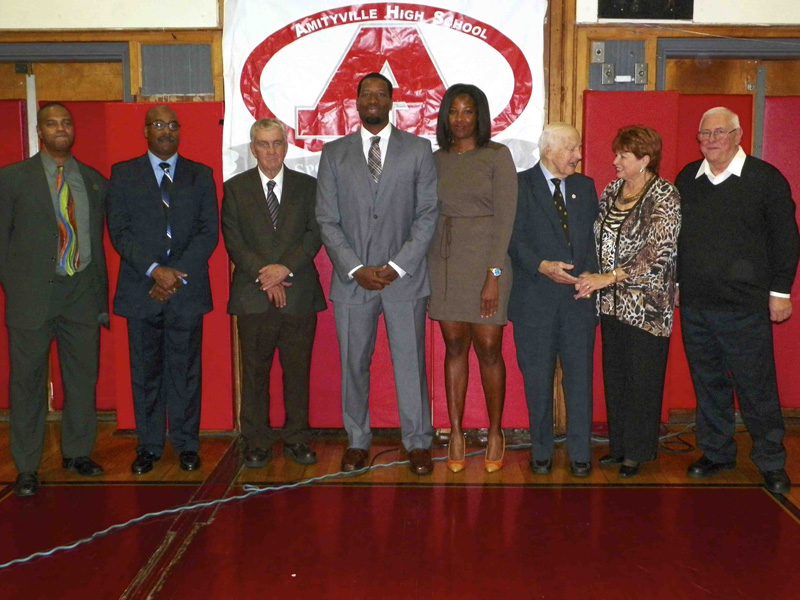 Nine Inducted into Amityville Sports Hall of Fame